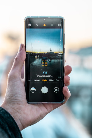image of Huawei P30 smartphone camera